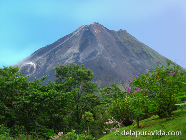 an exhilarating adventure of hiking up volcano arenal Desafio adventure company has centers of operation out of san josé and liberia, as well as near the arenal volcano, up in the cloud forests of monteverde in tenorio/guanacaste and on the pacific beach of playa samara/carrillo.